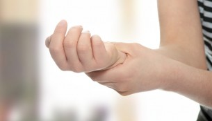 apotheken-wissen.de: Kribbeln in den Fingern: Karpaltunnelsyndrom?
