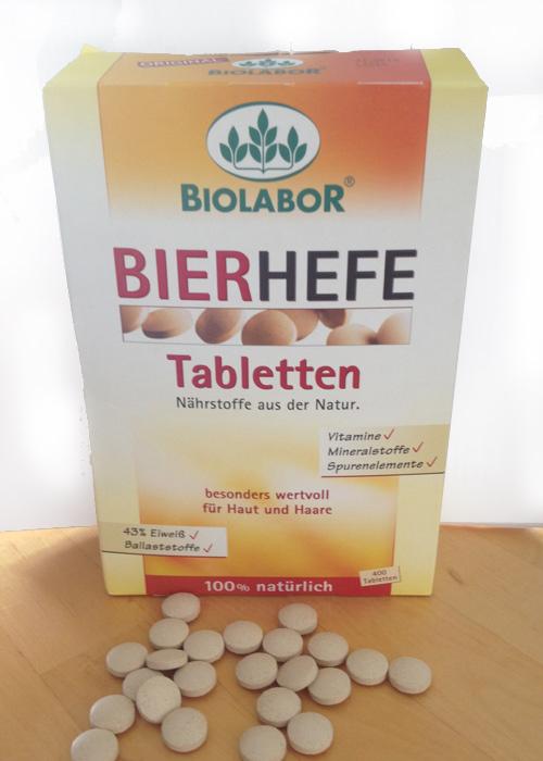 Die Biolaborhefe-Tabletten sind im Drogeriemarkt zu kaufen und sehr einfach einzunehmen.