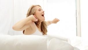 Erholsam schlafen und fit aufwachen ist das A und O für einn erfolgreichen Tag.
