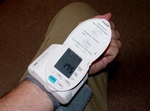 Blutdruck richtig messen mit dem passenden Messgerät