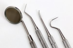 Zahnarztbesteck - apotheken-wissen.de