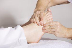 Physiotherapie für die Füße - apotheken-wissen.de