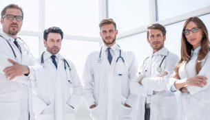 Ärzte-Team - apotheken-wissen.de