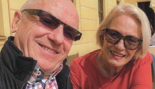 Glückliches Seniorenpaar - apotheken-wissen.de