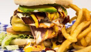 Hamburger mit Pommes frites: Cholesterin-Booster