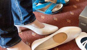Anprobe Schuhe, richtige Schuhgröße